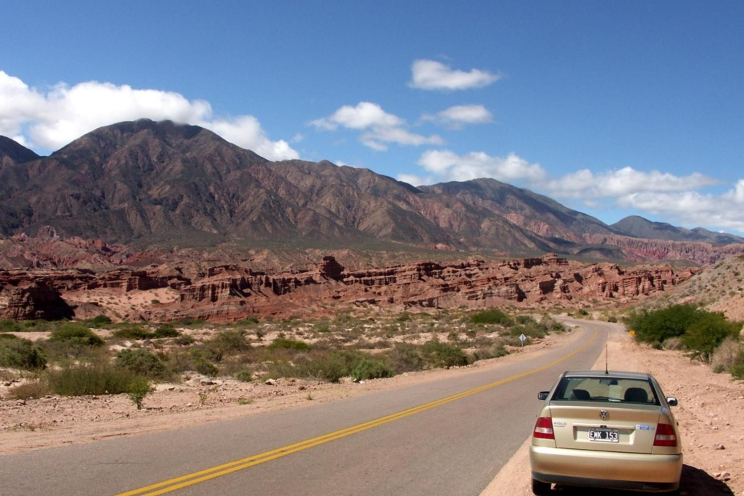 Driving towards the Valley of the Arrows in Argentina's north west