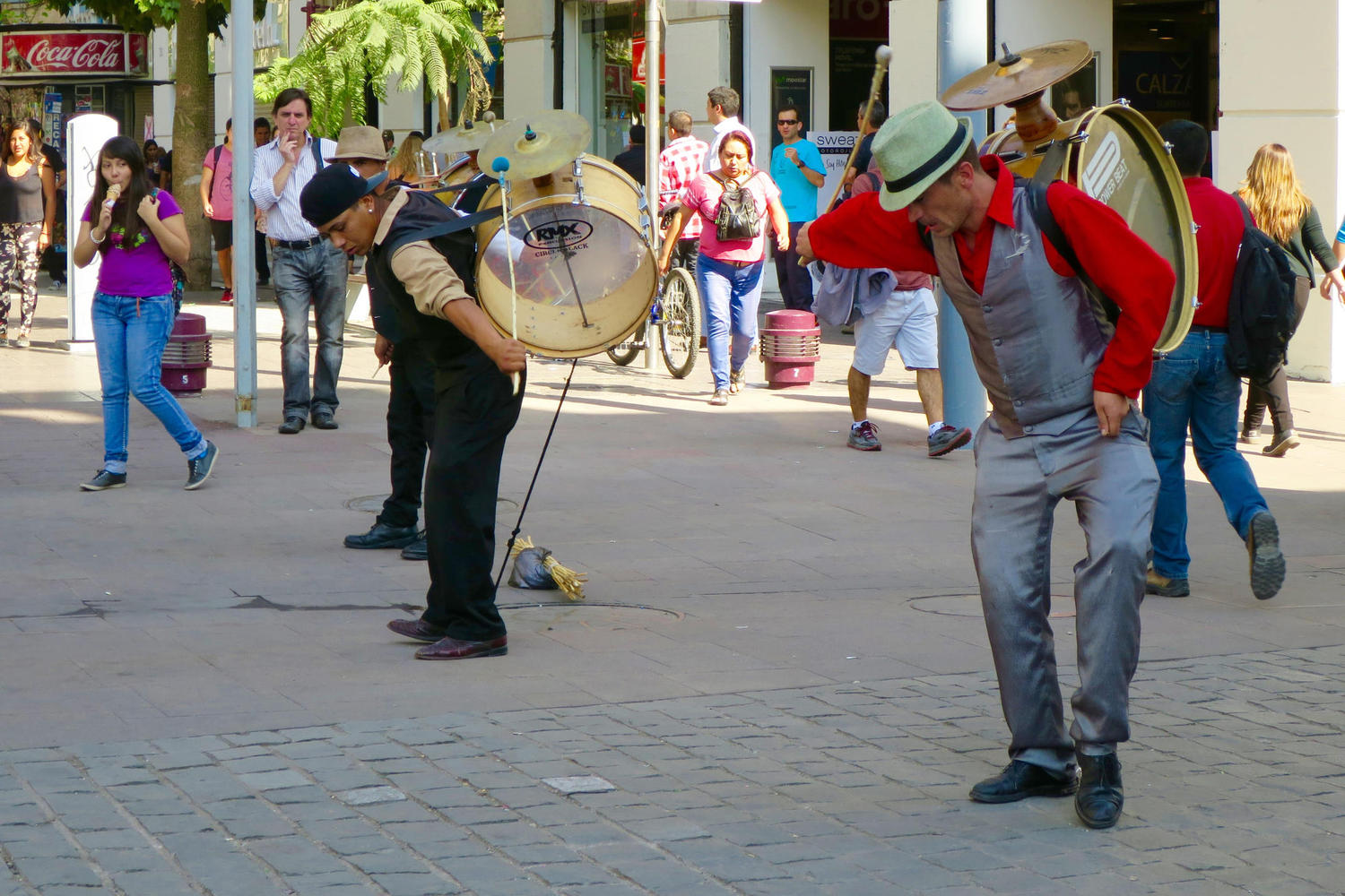 Street performers in the heart of downtown Santiago