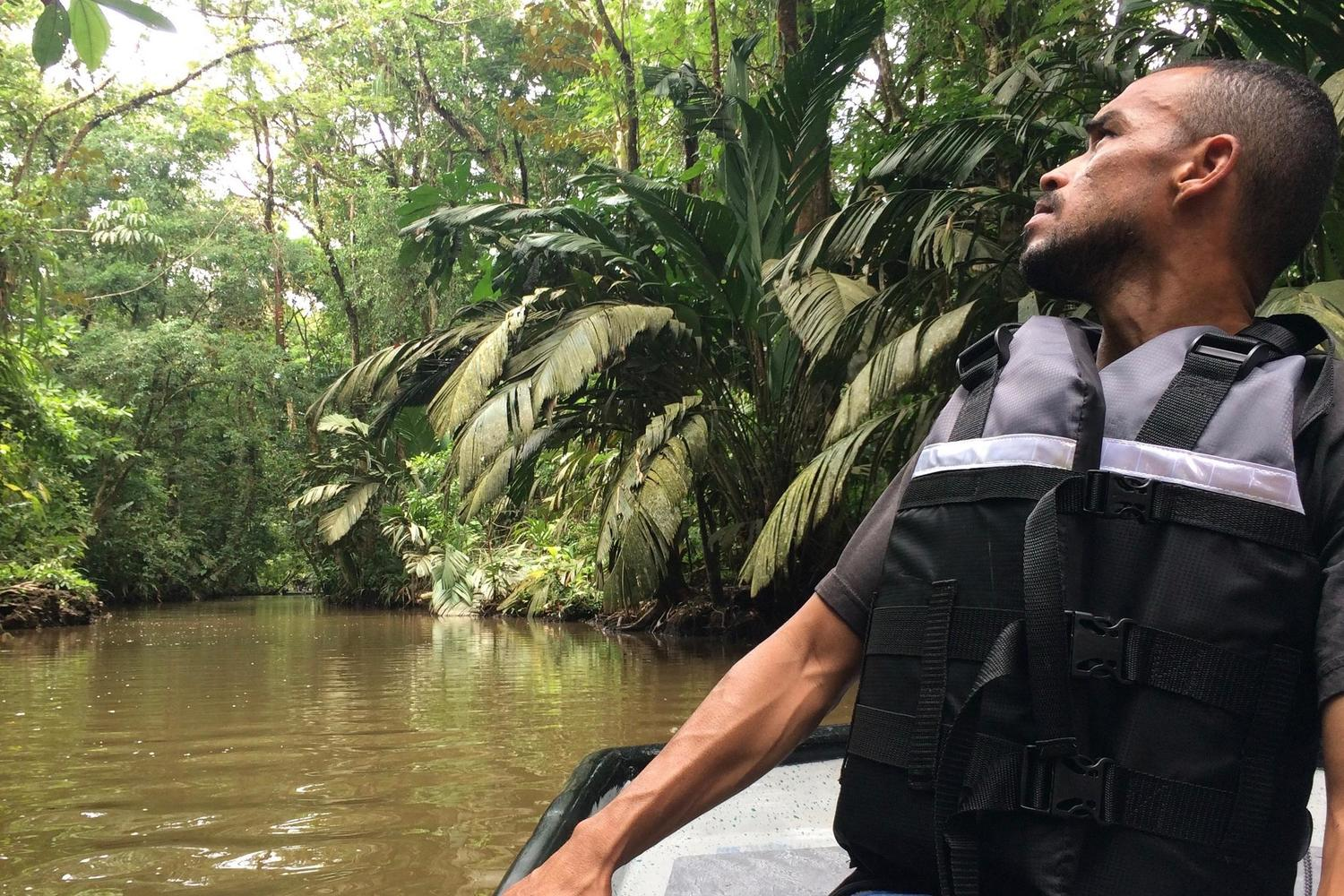 Guiding by Luis in Tortuguero