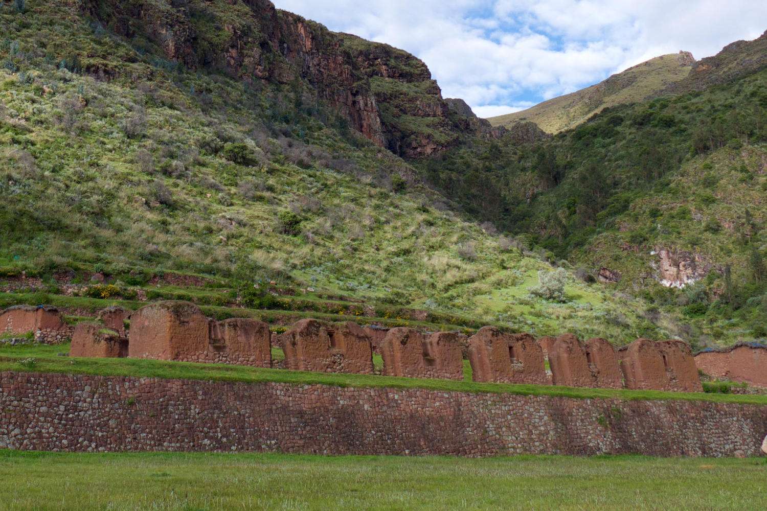 The Inca ruins of Huchuyqosqo, set on a plateau overlooking the Sacred Valley