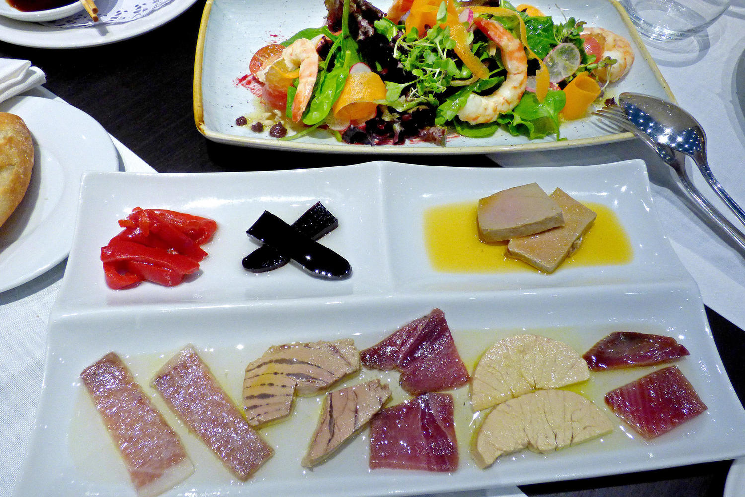 Red tuna tasting at El Campero restaurant in Barbate