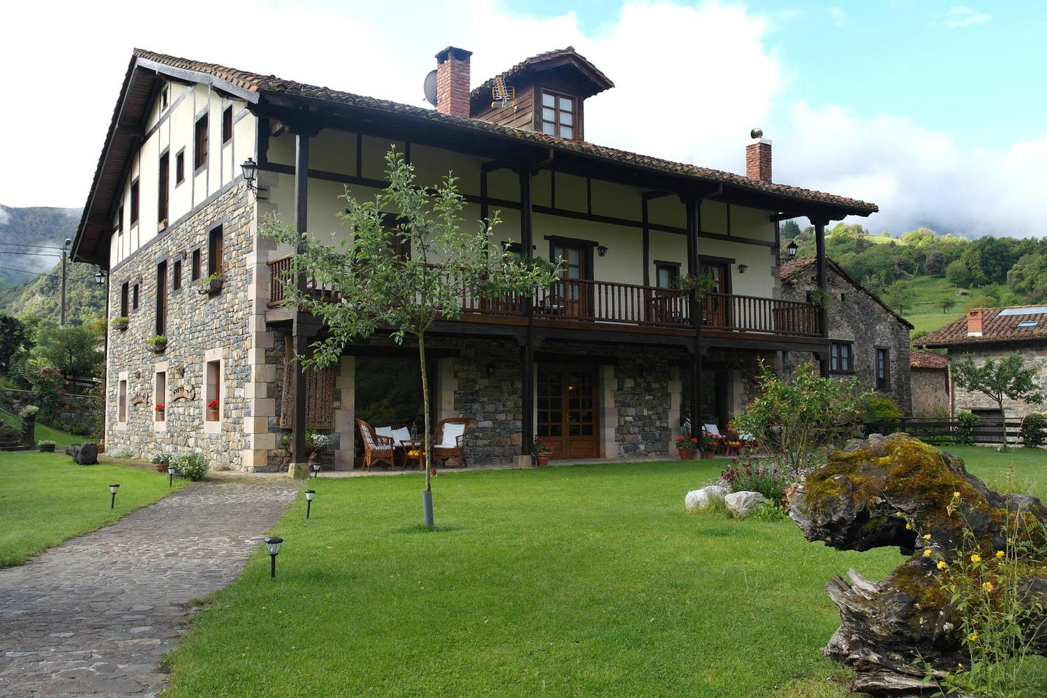 Comfortable, charming accommodation on the Picos Inn to Inn hike