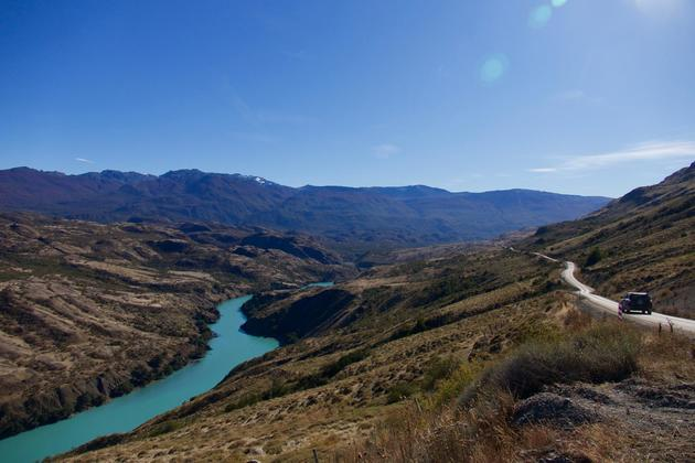 Chile-patagonia-carretera-austral-car-driving-along-baker-river-c-pura-aventura-thomas-power