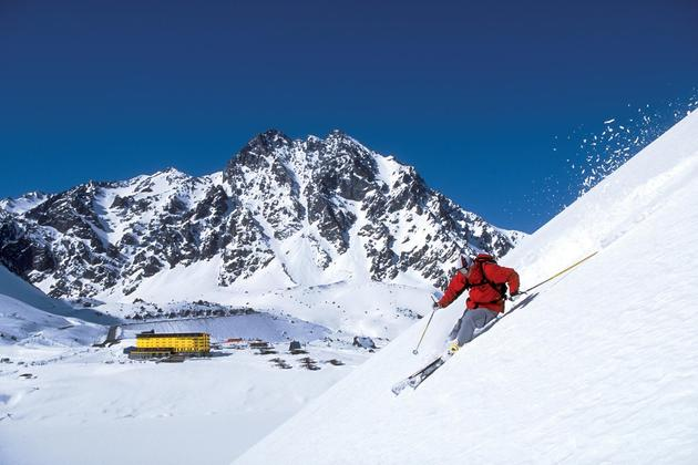 Chile-ski-portillo-skier