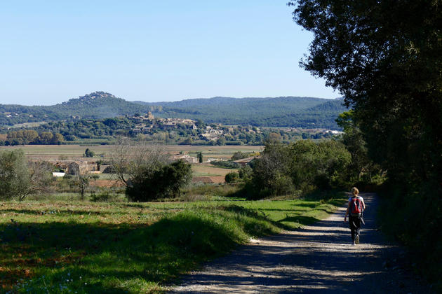 Spain-catalonia-walking-emporda-pals-village-copyright-thomas-power-pura-aventura