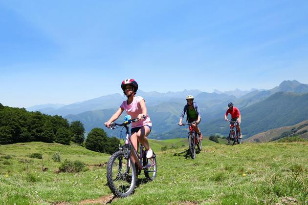 Spain-picos-de-europa-family-cycling