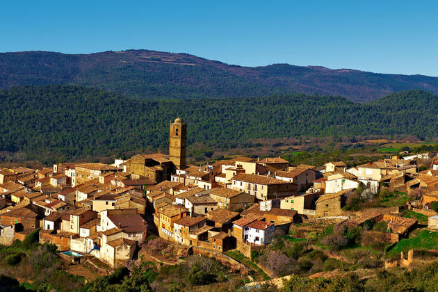 Spain-pyrenees-village-c-gkuna