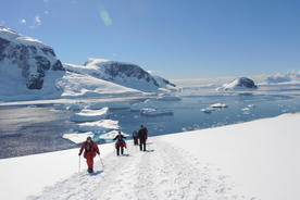 Antarctica-danco-island-snowshoers-walking