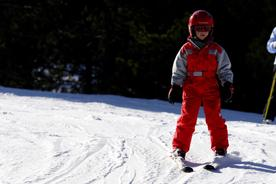 Spain-pyrenees-cerler-child-in-red-skiing